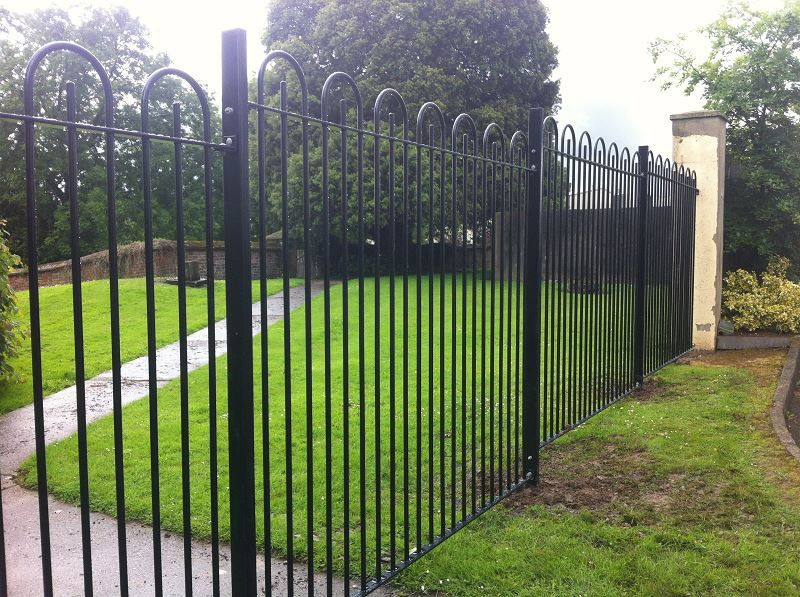 Irish-Fencing-and-Railings-Ltd.-Railings-Range-C04-Bar-in-Bow-Top-Railings-100-3