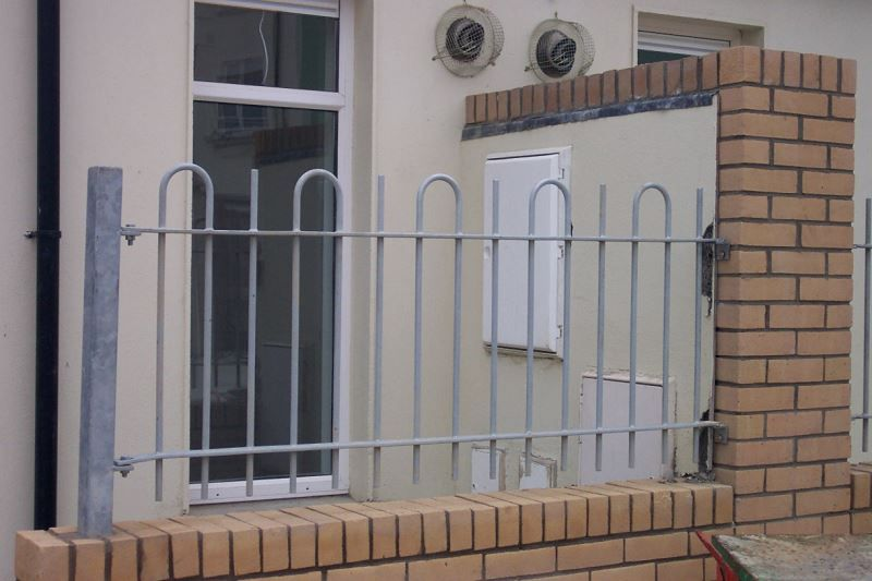 Irish Fencing & Railings Ltd. Railings Range C05 -Bar and  Bow Top Railings 04