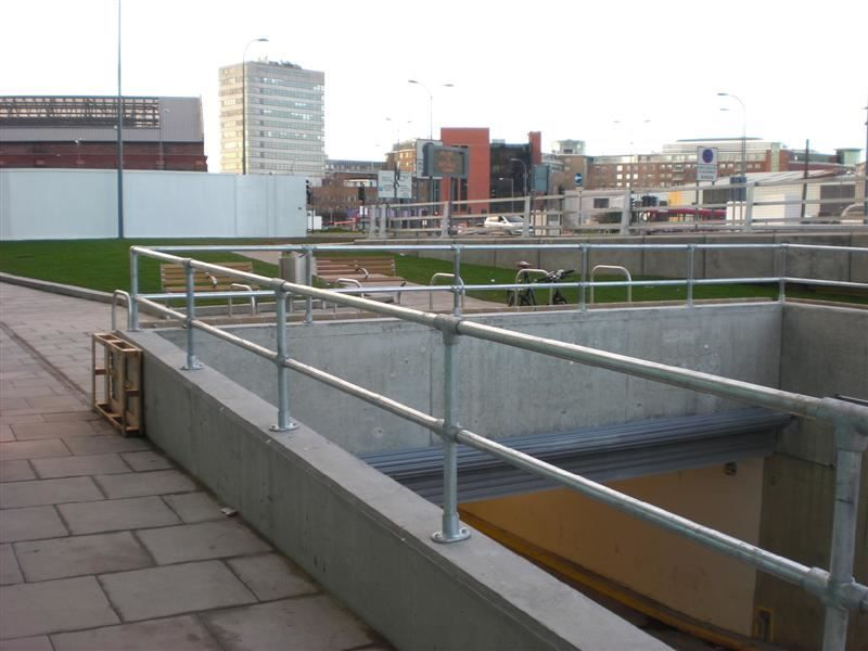 Irish Fencing & Railings Ltd Kee Safety Range  Kee Lite Aluminium Safety Barrier  (5)