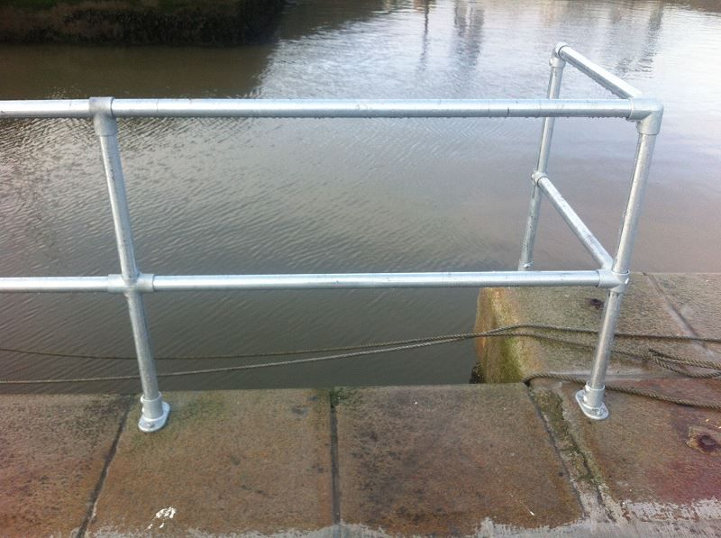 Irish Fencing & Railings Ltd. Kee Safety Range M02 Kee Klamp Barrier (24)