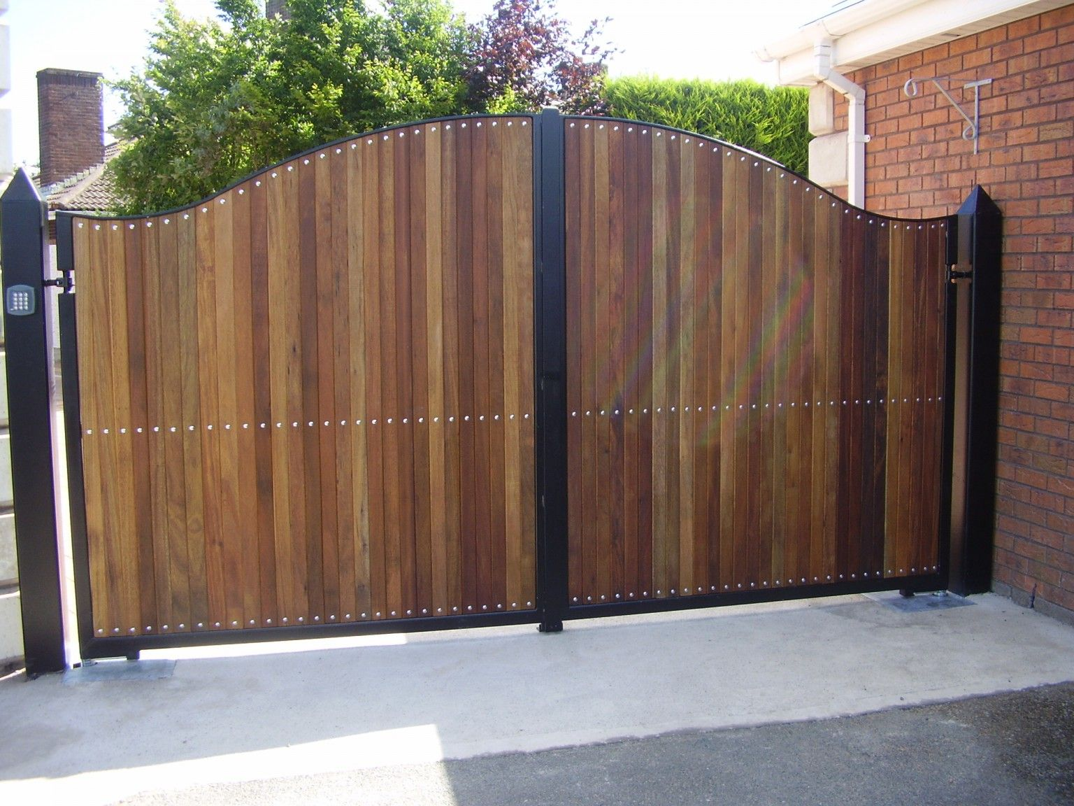 Irish Fencing and Railings- K02- Timber Domestic Gates 08 (12)