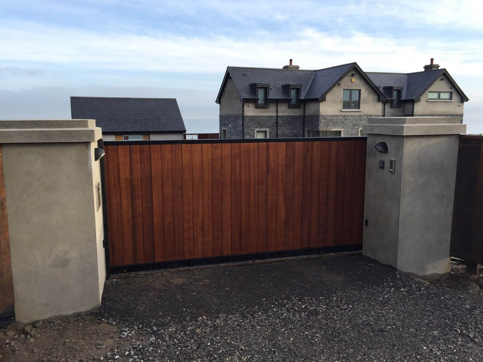 Irish Fencing and Railings- K02- Timber Domestic Gates 08 (16)