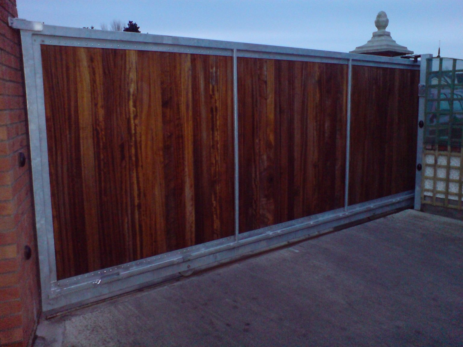 Irish Fencing and Railings- K02- Timber Domestic Gates 08 (2)