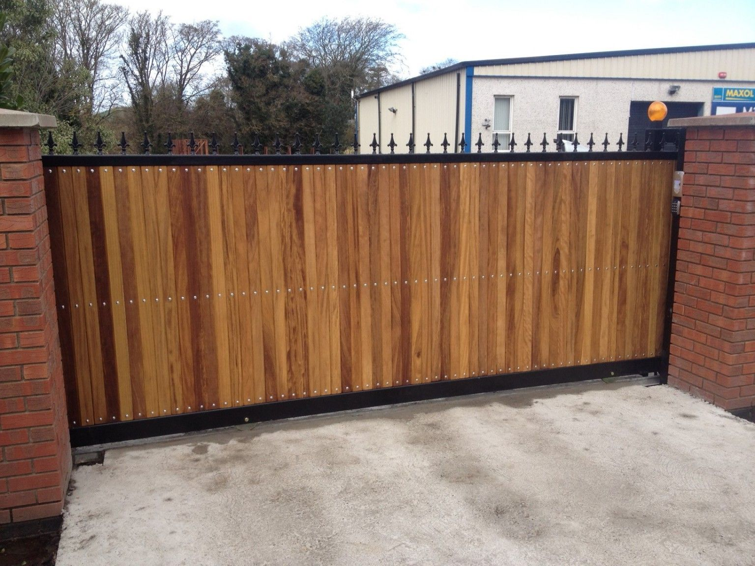 Irish Fencing and Railings- K02- Timber Domestic Gates 08 (7)