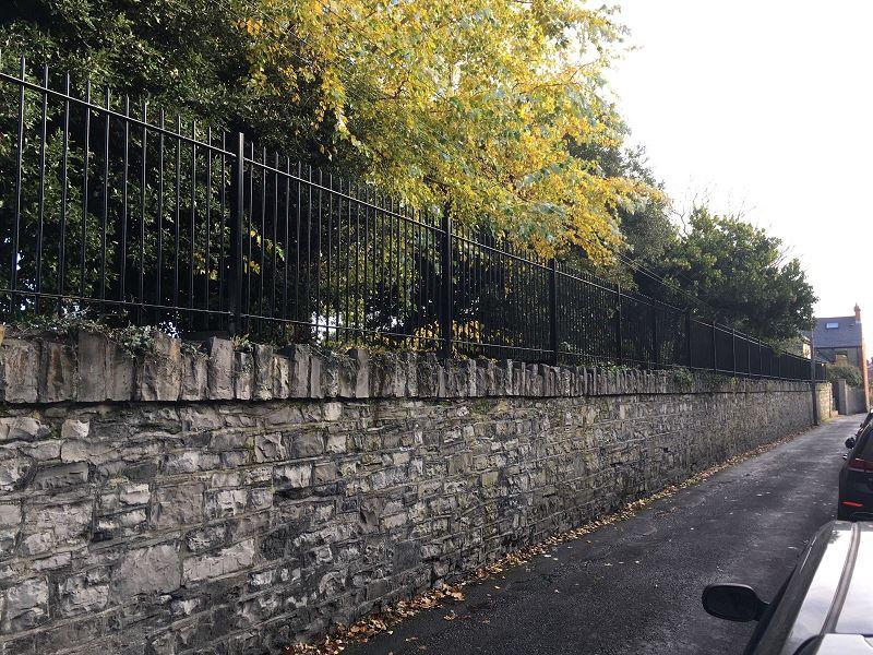 IrishFencing 20mmRoundbar WallTopping (4)