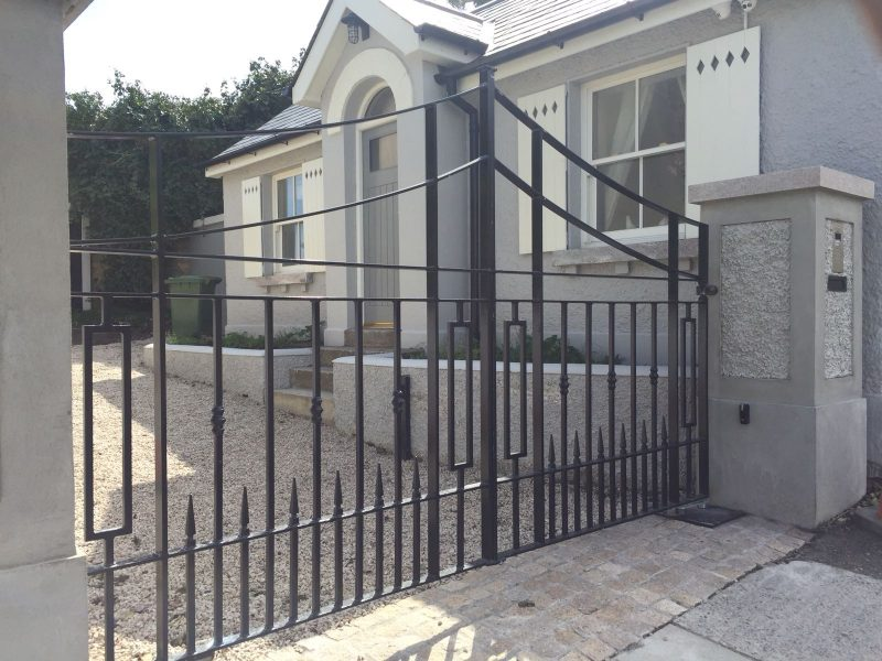 Irish Fencing Services -Ornamental-Residential-Gate-1