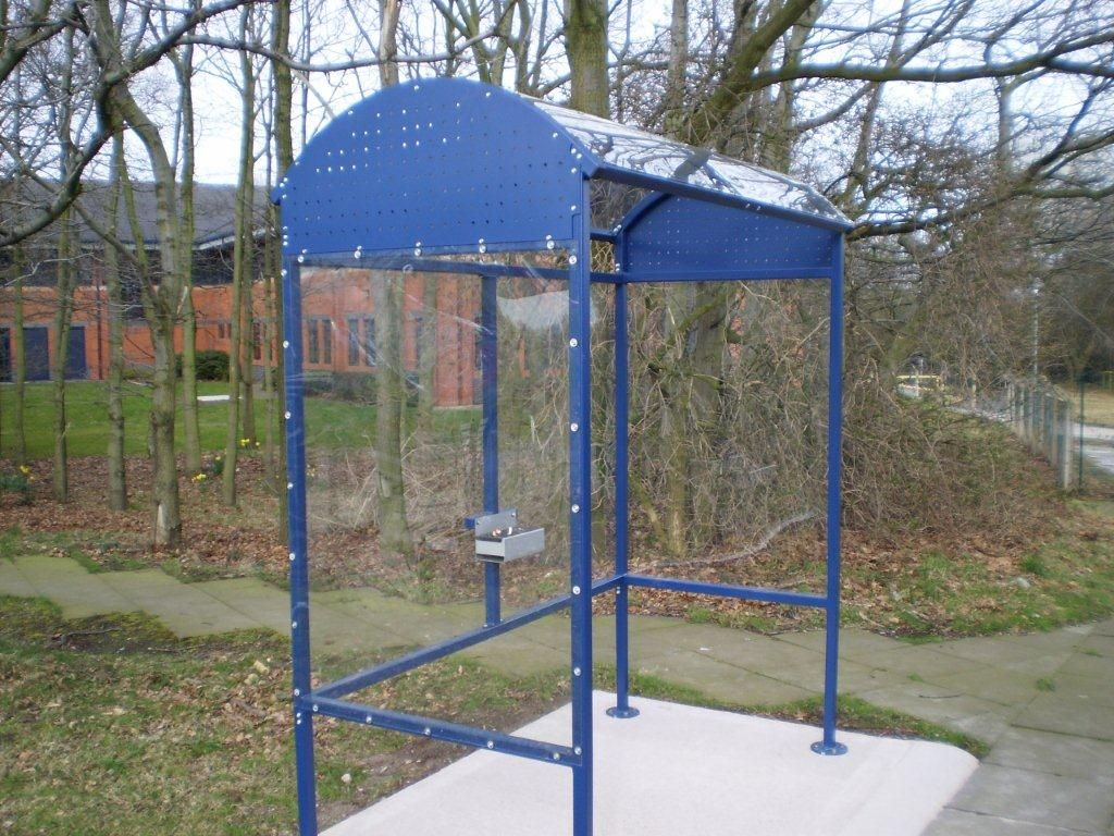 Irish Fencing And Railings Ltd. L02 Smoking Shelter (4)