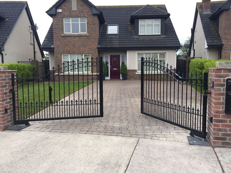 Automated Residential Ornamental Gate.1