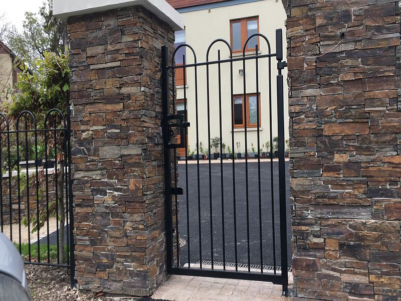 Irish Fencing Bow Top Railing And Gate Carton House (3)
