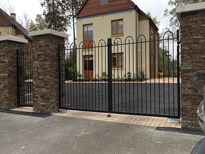 Irish Fencing Bow Top Railing And Gate Carton House (4)