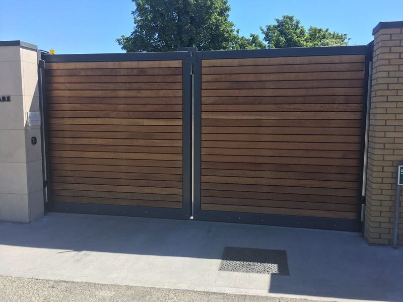 Irish Fencing Services Fanagans Funeral Home Sliding Gate.2