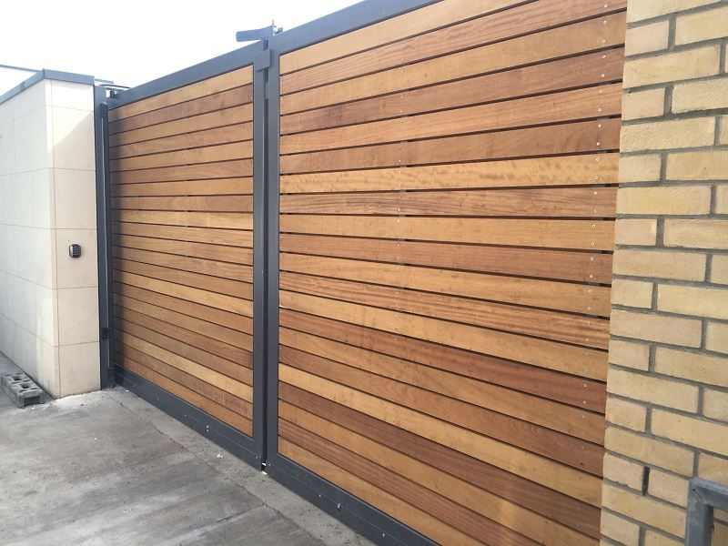 Irish Fencing Services Residential Sliding Timber Gate.1