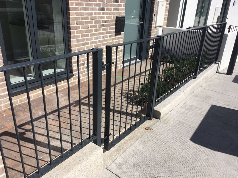 Irish Fencing Services Solid Bar Railing & Gates.4