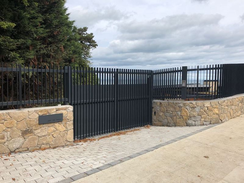 Irish Fencing Services Flat Bar Railing Gates.4
