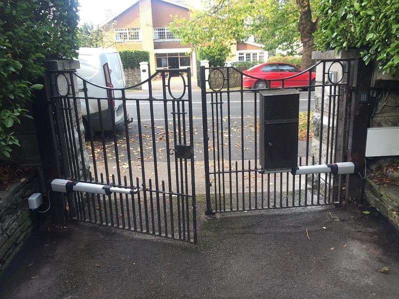 Irish Fencing Services Automated Gate Domestic Overground.