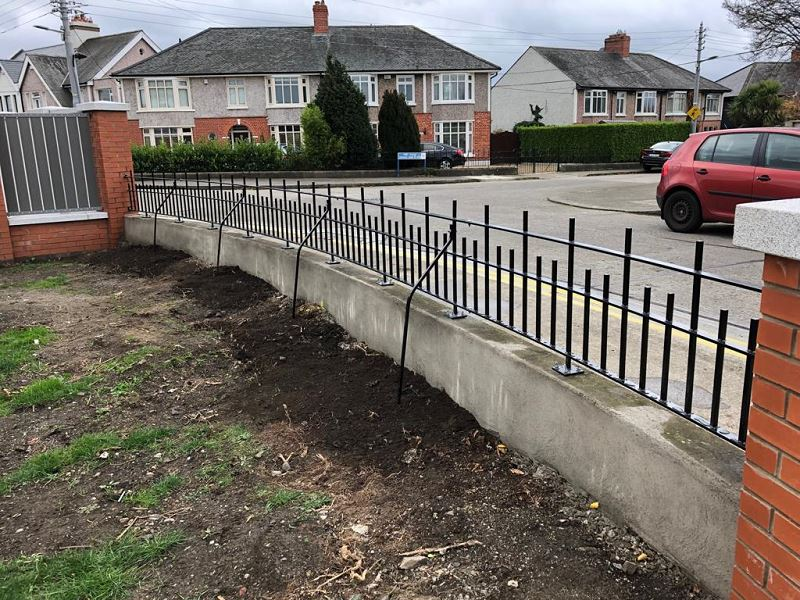 Irish Fencing Services Solid Bar Railing Composite Fence.3