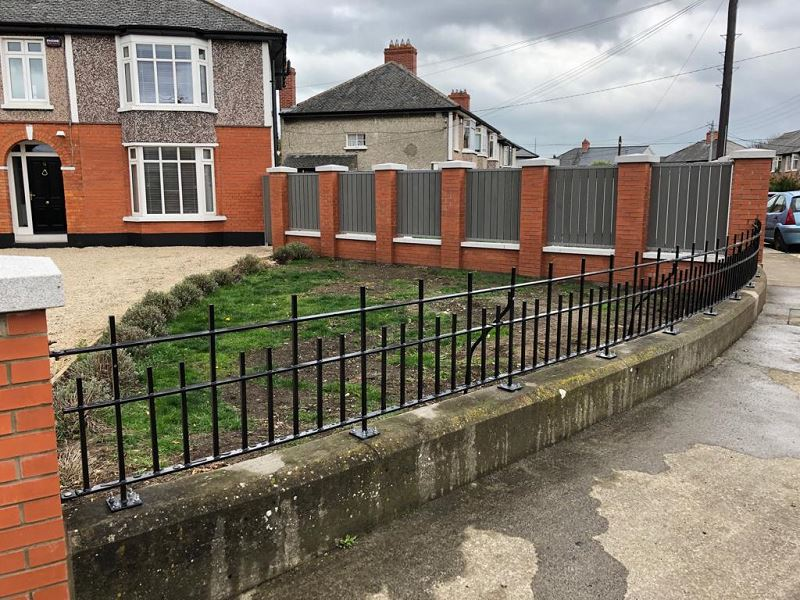 Irish Fencing Services Solid Bar Railing Composite Fence.4