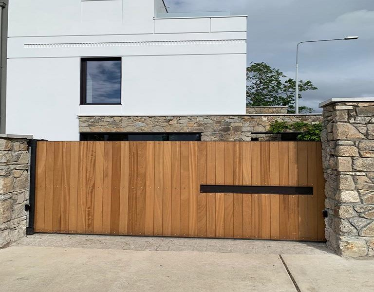 Irish Fencing Services Residential Sliding Gate.2