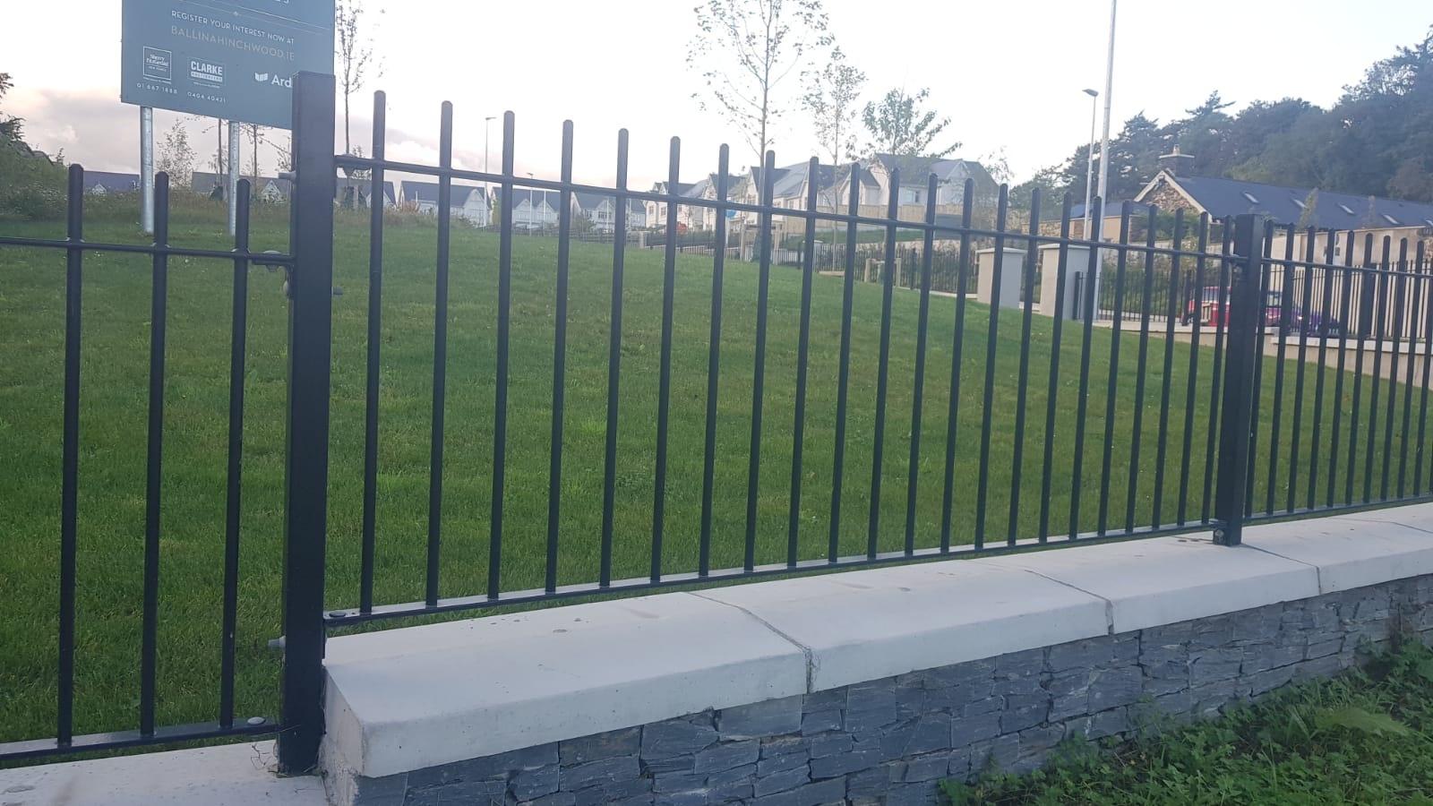 Irish Fencing Services Soulid Round Bar Railing Black.2