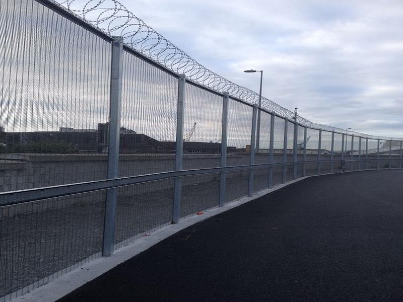 Irish-Fencing-358-Mesh-Dublin-Port-5